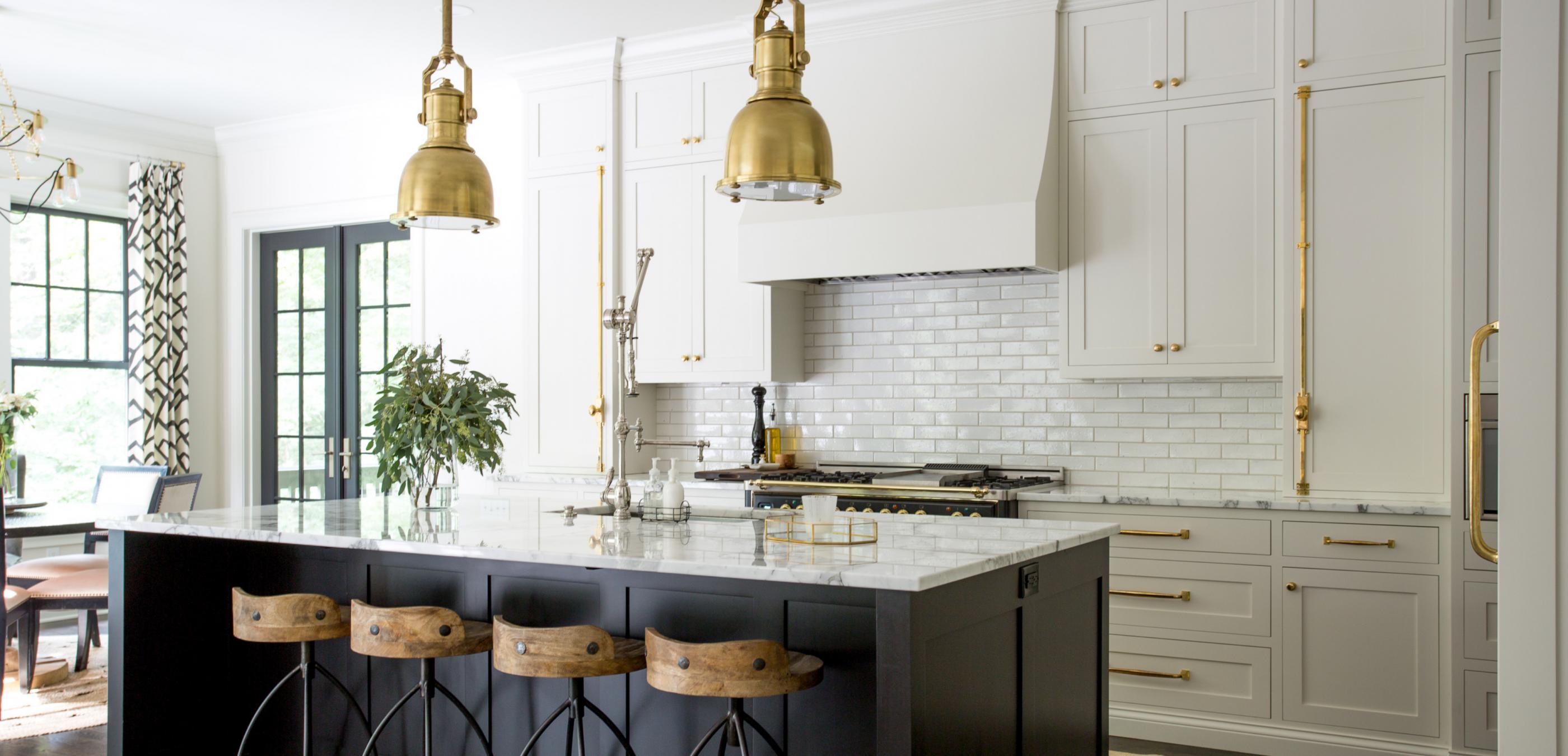 black and white kitchen, classic kitchen, marble, brass pendants